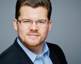 Professionelle Bewerbungsfotos aus dem Headshot Fotostudio Bonn