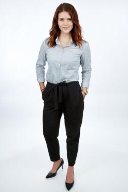 Hostess Bewerbungsfoto mit Gnzkörperaufnahme